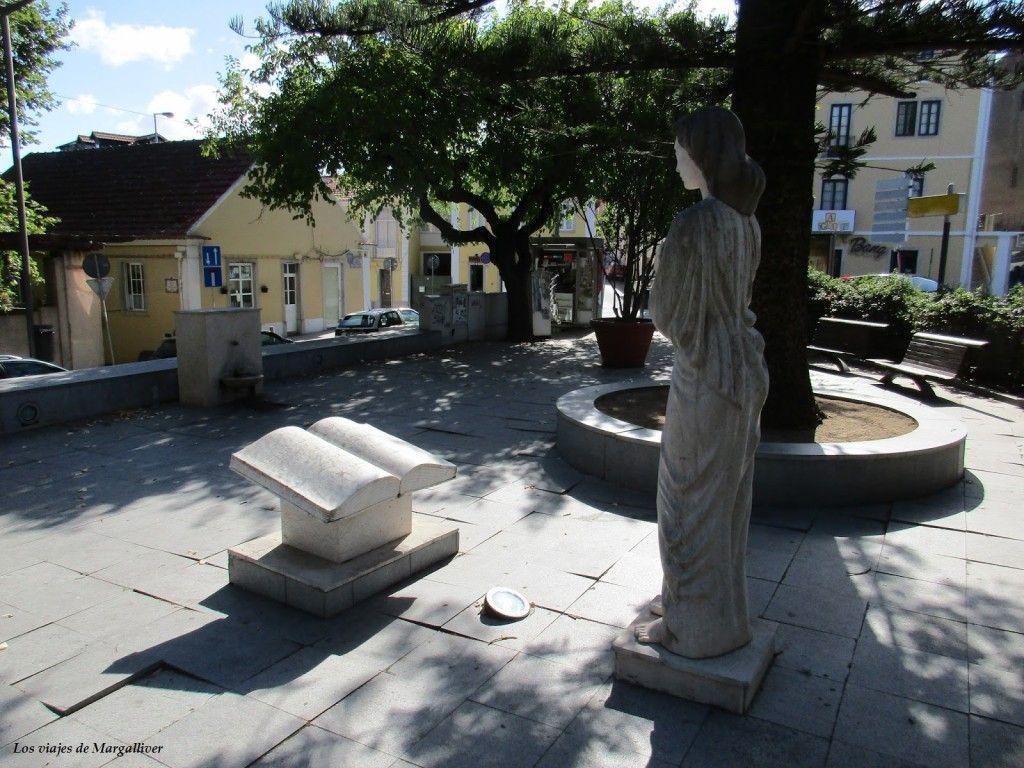 plaza de Sintra, en la parte menos turistica de Sintra - Los viajes de Margalliver